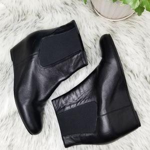 Stuart Weizman Black Leather Hidden Wedge Sz 9.5